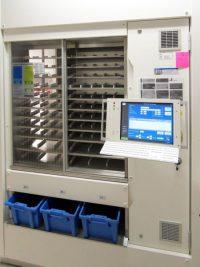Jedes Medikament wird durch den Automaten erfasst.